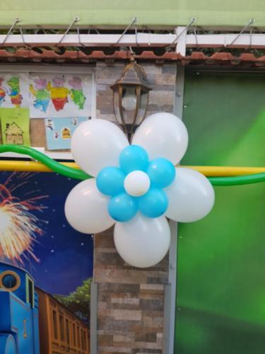 flori din baloane atasate 3
